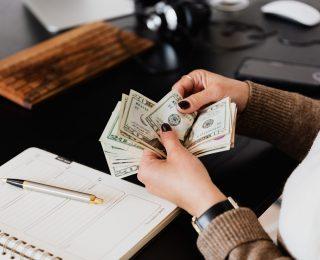 Kako Posuditi Novac Min