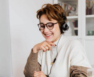 Kako Se Nasminkati I Obuci Za Online Nastup