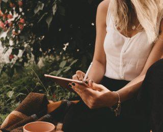 Woman Writing On Ipad 3082804